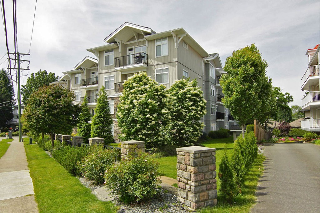 "Photo 1: 205 33255 OLD YALE Road in Abbotsford: Central Abbotsford Condo for sale in ""The Brixton"" : MLS® # F1327436"