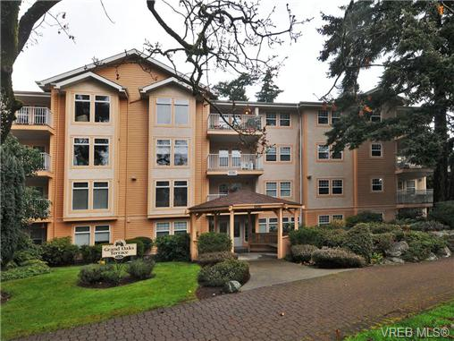 Main Photo: 104 606 Goldstream Avenue in VICTORIA: La Fairway Condo Apartment for sale (Langford)  : MLS(r) # 344553