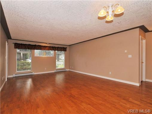 Photo 5: 104 606 Goldstream Avenue in VICTORIA: La Fairway Condo Apartment for sale (Langford)  : MLS(r) # 344553