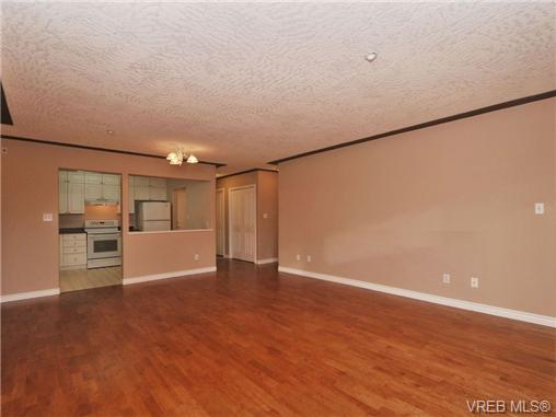 Photo 6: 104 606 Goldstream Avenue in VICTORIA: La Fairway Condo Apartment for sale (Langford)  : MLS(r) # 344553