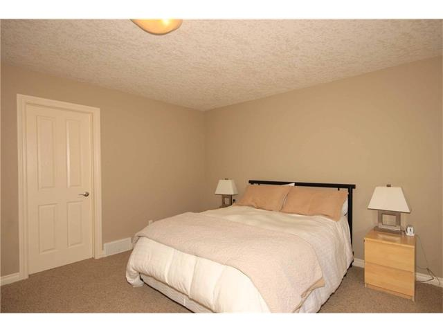 Photo 36: 136 Sunset Close: Cochrane House for sale : MLS® # C4044517