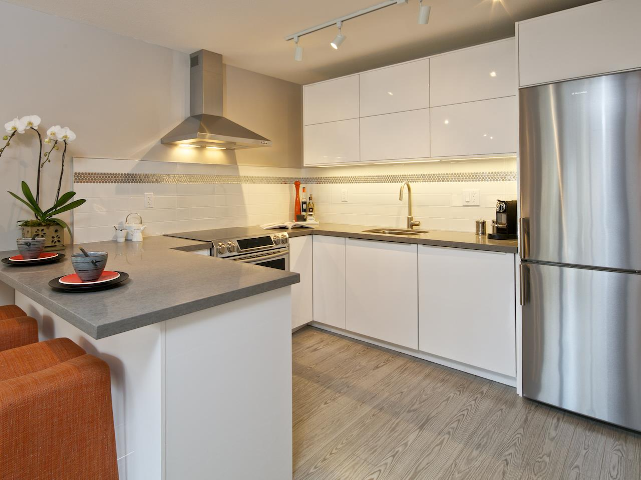 "Photo 6: 211 2920 ASH Street in Vancouver: Fairview VW Condo for sale in ""Ashcourt"" (Vancouver West)  : MLS® # R2027760"