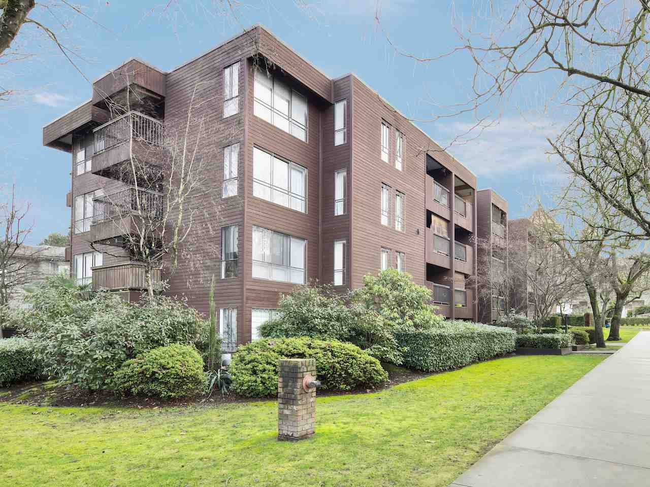 "Photo 14: 211 2920 ASH Street in Vancouver: Fairview VW Condo for sale in ""Ashcourt"" (Vancouver West)  : MLS(r) # R2027760"