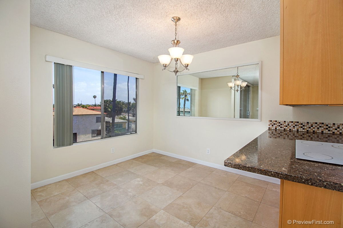 Photo 5: OCEAN BEACH Condo for rent : 2 bedrooms : 5155 W Point Loma Blvd #11 in San Diego
