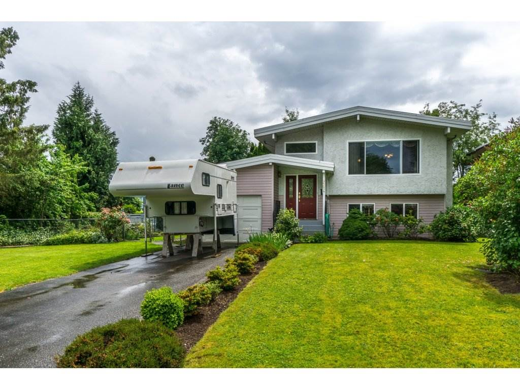 Main Photo: 46654 BALSAM Avenue in Chilliwack: Chilliwack E Young-Yale House for sale : MLS® # R2074473