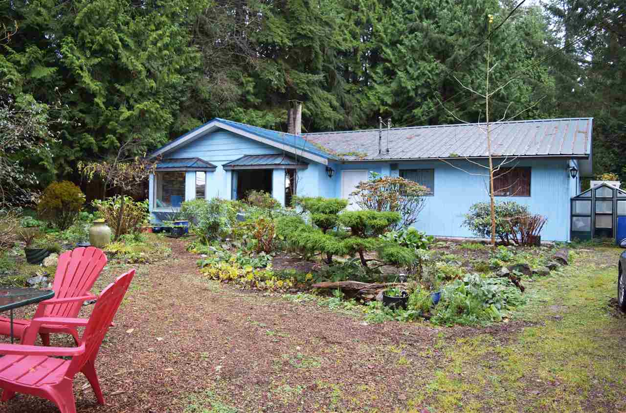 Main Photo: 1388 MARLENE Road: Roberts Creek House for sale (Sunshine Coast)  : MLS® # R2096810