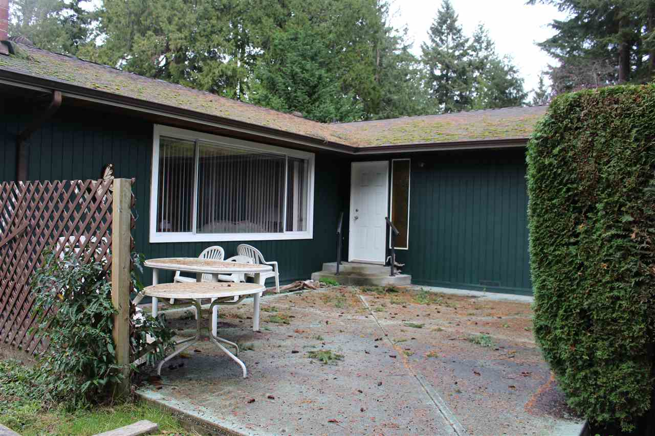 Main Photo: 8119 ALDERWOOD Road in Halfmoon Bay: Halfmn Bay Secret Cv Redroofs House for sale (Sunshine Coast)  : MLS® # R2127334
