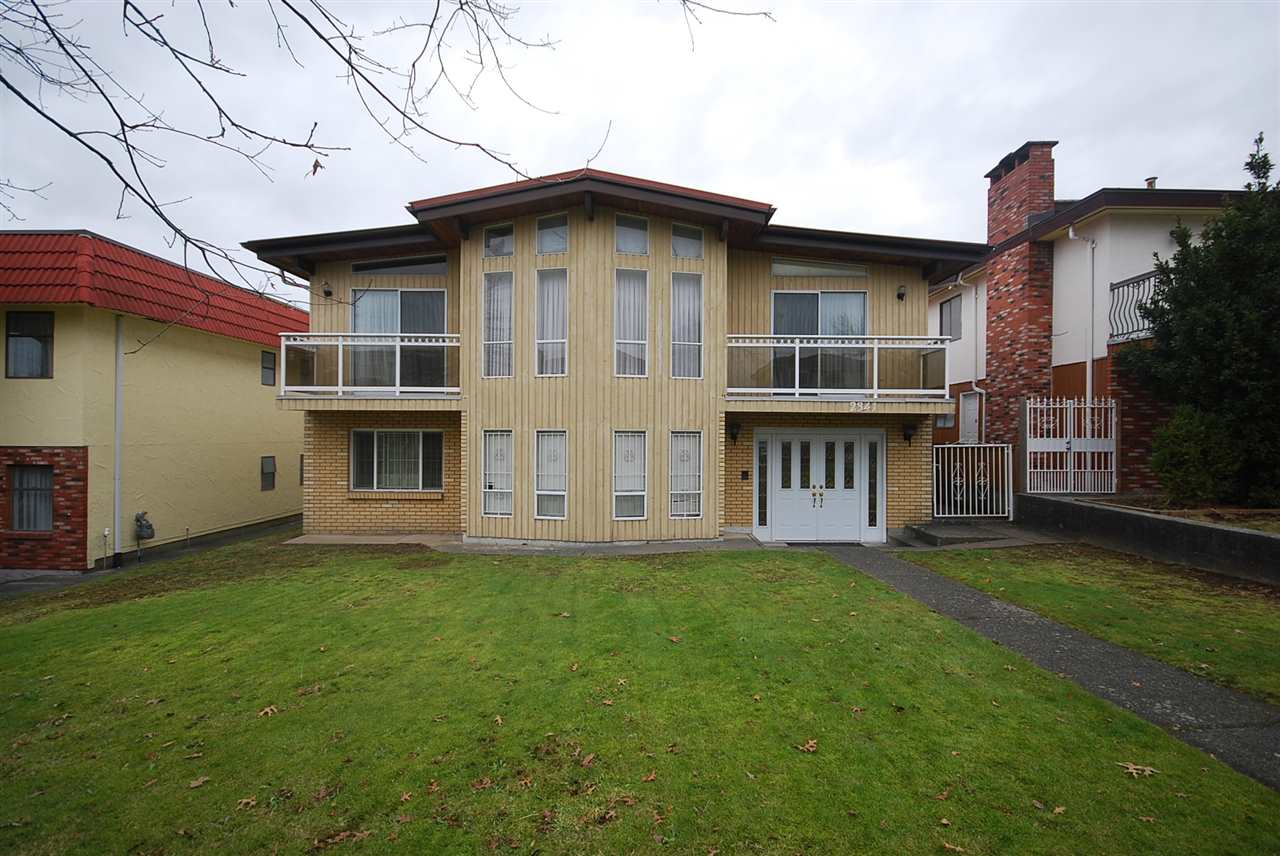 Main Photo: 2341 E 40TH Avenue in Vancouver: Collingwood VE House for sale (Vancouver East)  : MLS®# R2134182