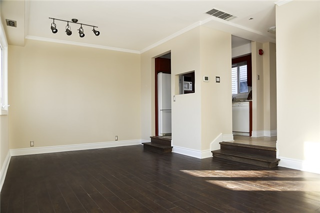 Main Photo: 210 101 Hammersmith Avenue in Toronto: The Beaches Condo for lease (Toronto E02)  : MLS(r) # E3699902