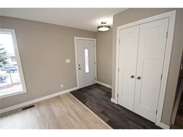 Photo 3: 20 ALCOCK Street: Okotoks House for sale : MLS(r) # C4104767
