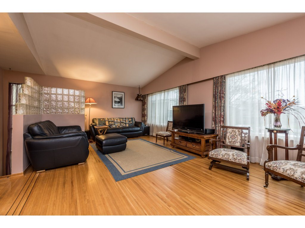 Photo 4: 6812 DUNNEDIN Street in Burnaby: Sperling-Duthie House for sale (Burnaby North)  : MLS(r) # R2147759
