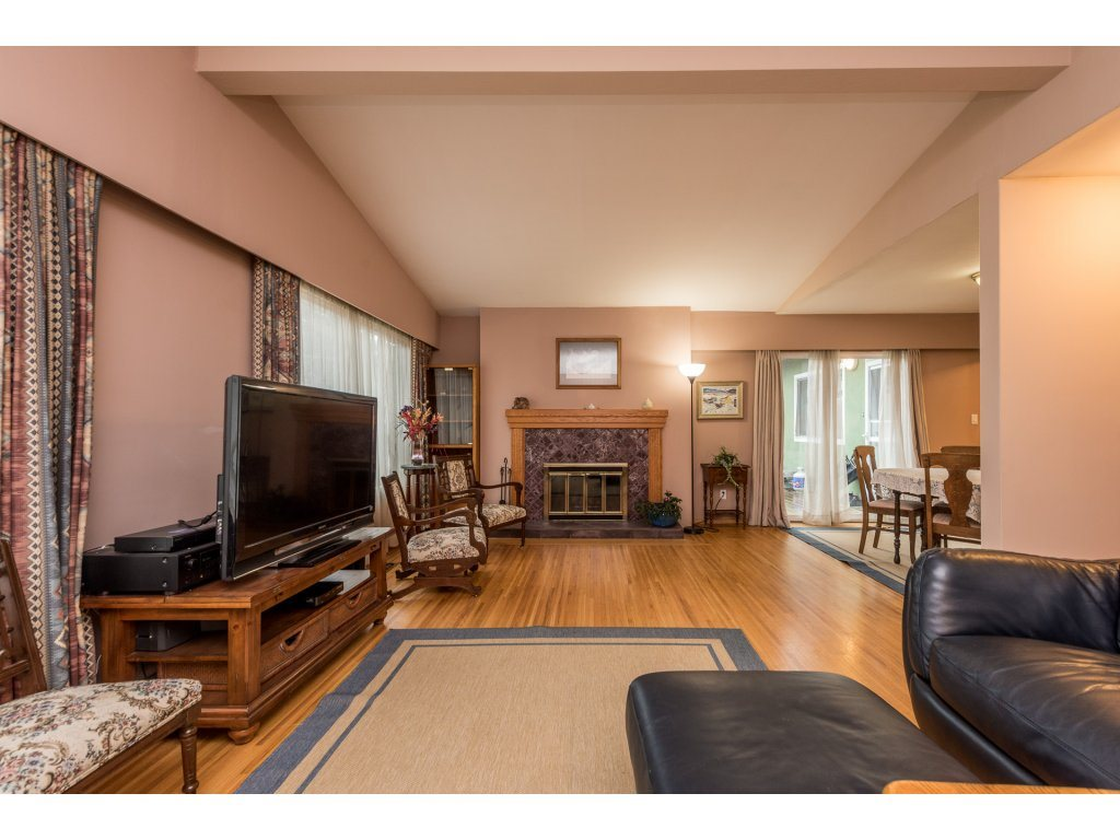 Photo 3: 6812 DUNNEDIN Street in Burnaby: Sperling-Duthie House for sale (Burnaby North)  : MLS(r) # R2147759