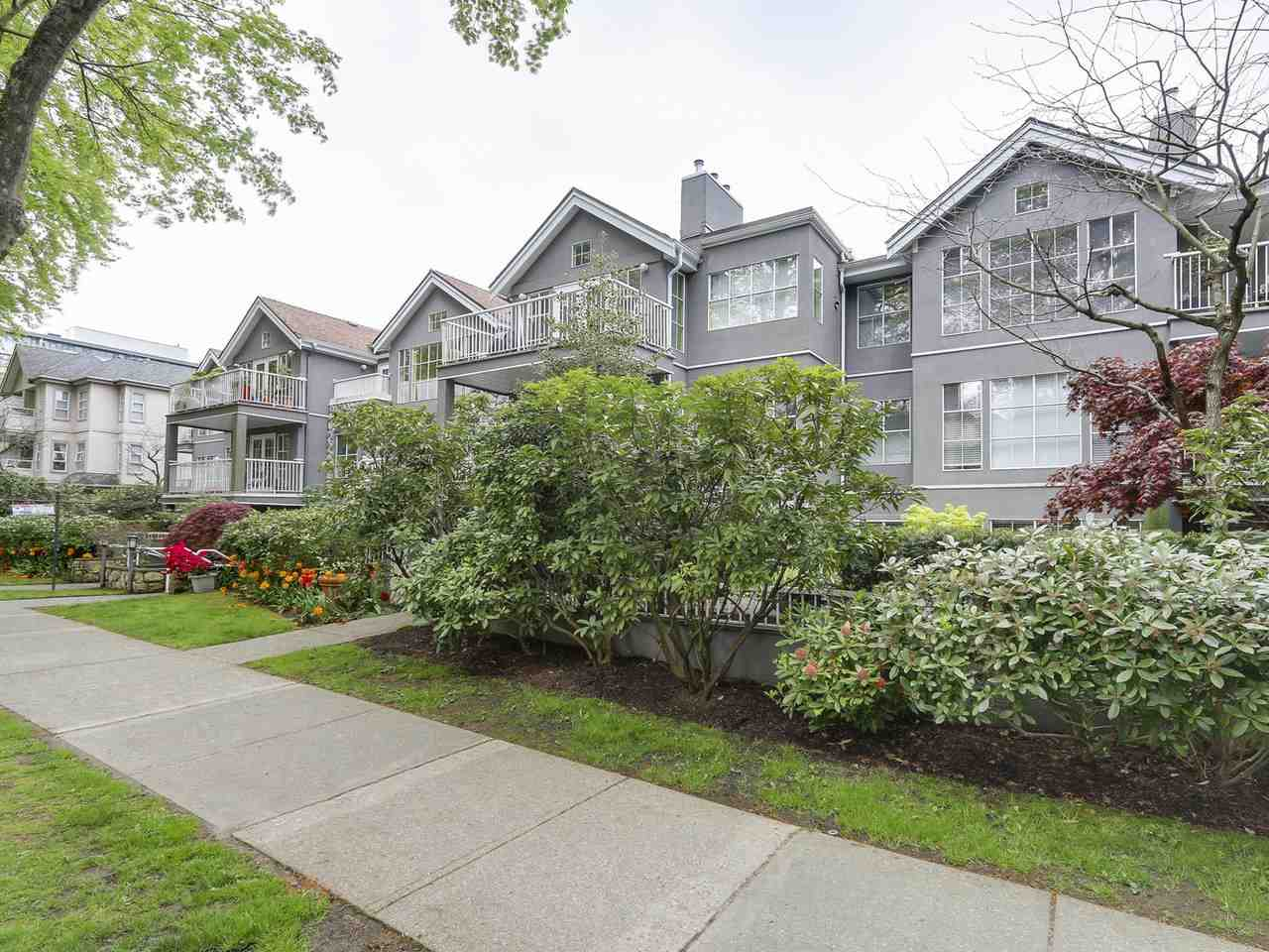 Main Photo: 104 655 W 13TH Avenue in Vancouver: Fairview VW Condo for sale (Vancouver West)  : MLS® # R2164495