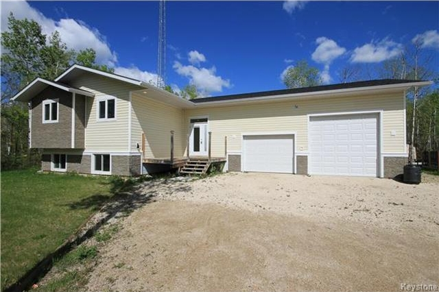 Main Photo: 36 Oak Way in St Malo: R17 Residential for sale : MLS(r) # 1713407