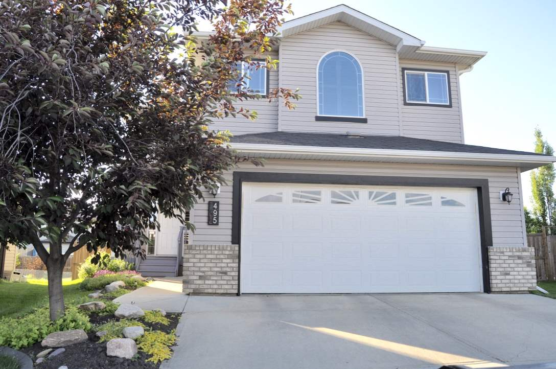 Main Photo: 495 FOXTAIL Court: Sherwood Park House for sale : MLS® # E4071091