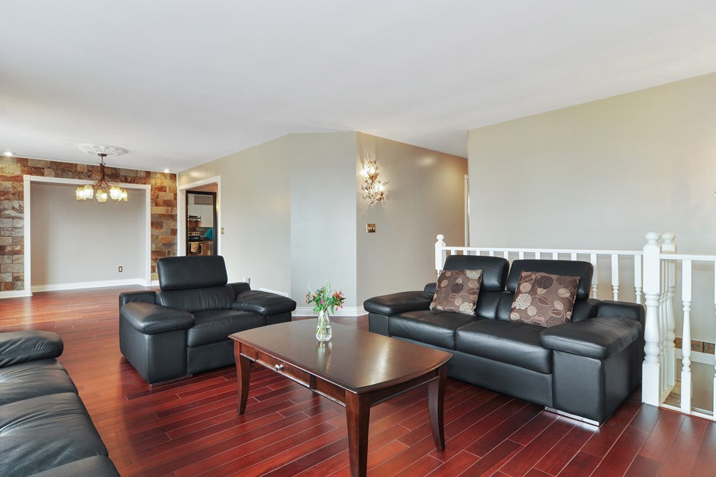 Photo 4: 1465 BLACKWATER Place in Coquitlam: Westwood Plateau House for sale : MLS(r) # R2188109