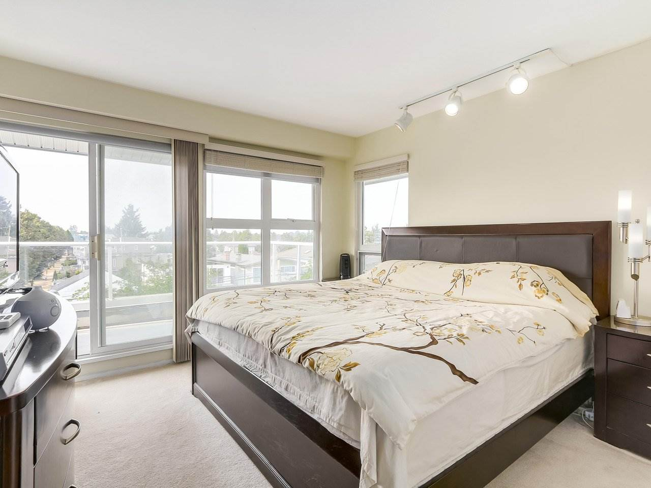"Photo 10: 405 2965 HORLEY Street in Vancouver: Collingwood VE Condo for sale in ""CHERRY HILL"" (Vancouver East)  : MLS® # R2196474"