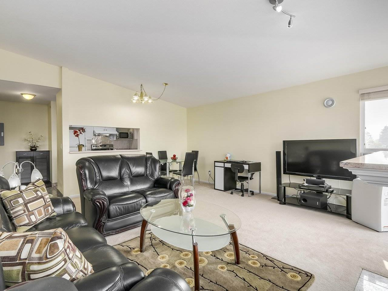 "Photo 5: 405 2965 HORLEY Street in Vancouver: Collingwood VE Condo for sale in ""CHERRY HILL"" (Vancouver East)  : MLS® # R2196474"