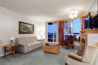 "Main Photo: 902 1235 QUAYSIDE Drive in New Westminster: Quay Condo for sale in ""THE RIVIERA"" : MLS® # R2198078"