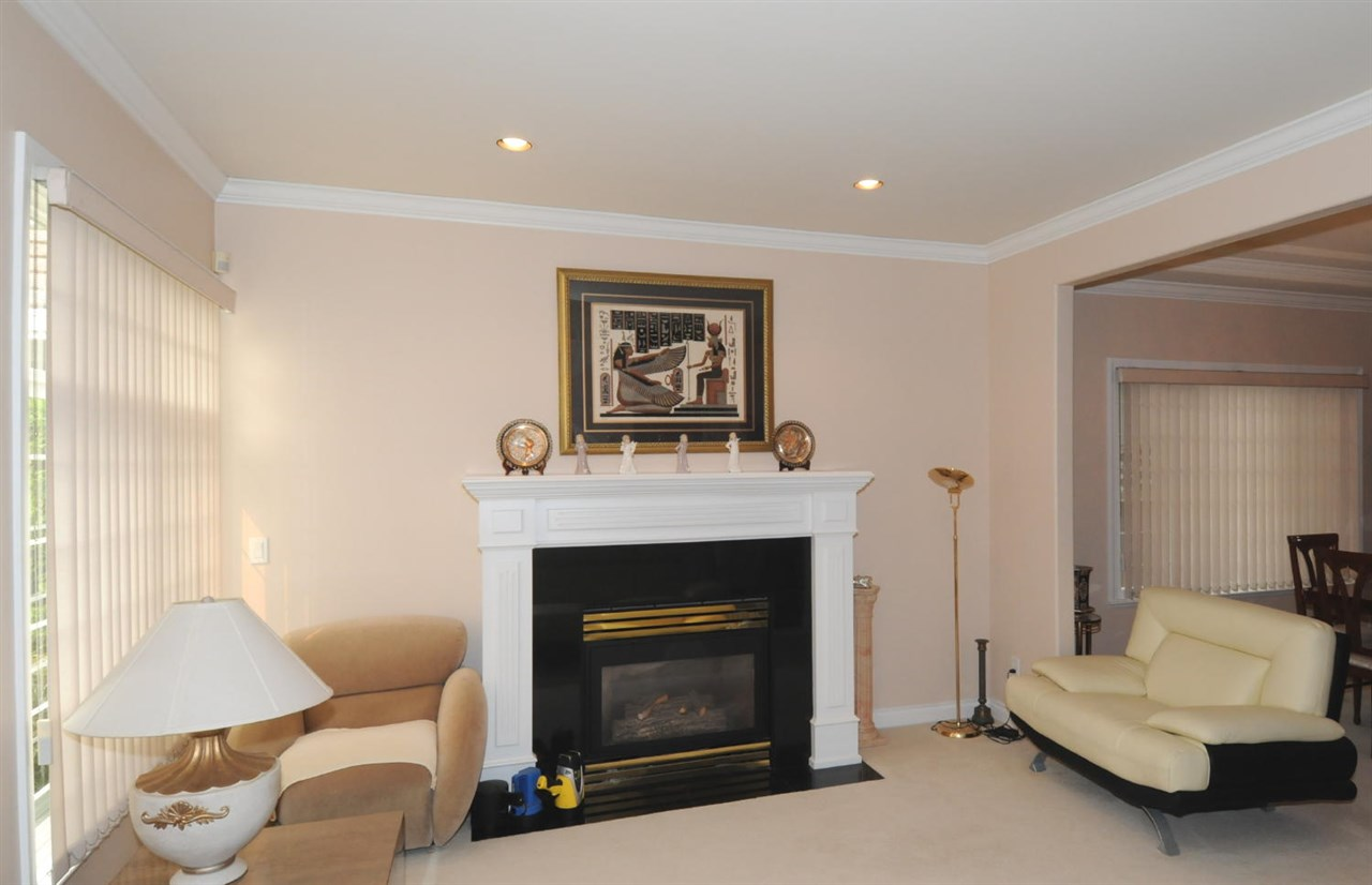 Photo 4: 9280 PAULESHIN Crescent in Richmond: Lackner House for sale : MLS® # R2204830