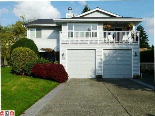 Main Photo: 956 161A Street in South Surrey White Rock: Home for sale : MLS® # F1227191