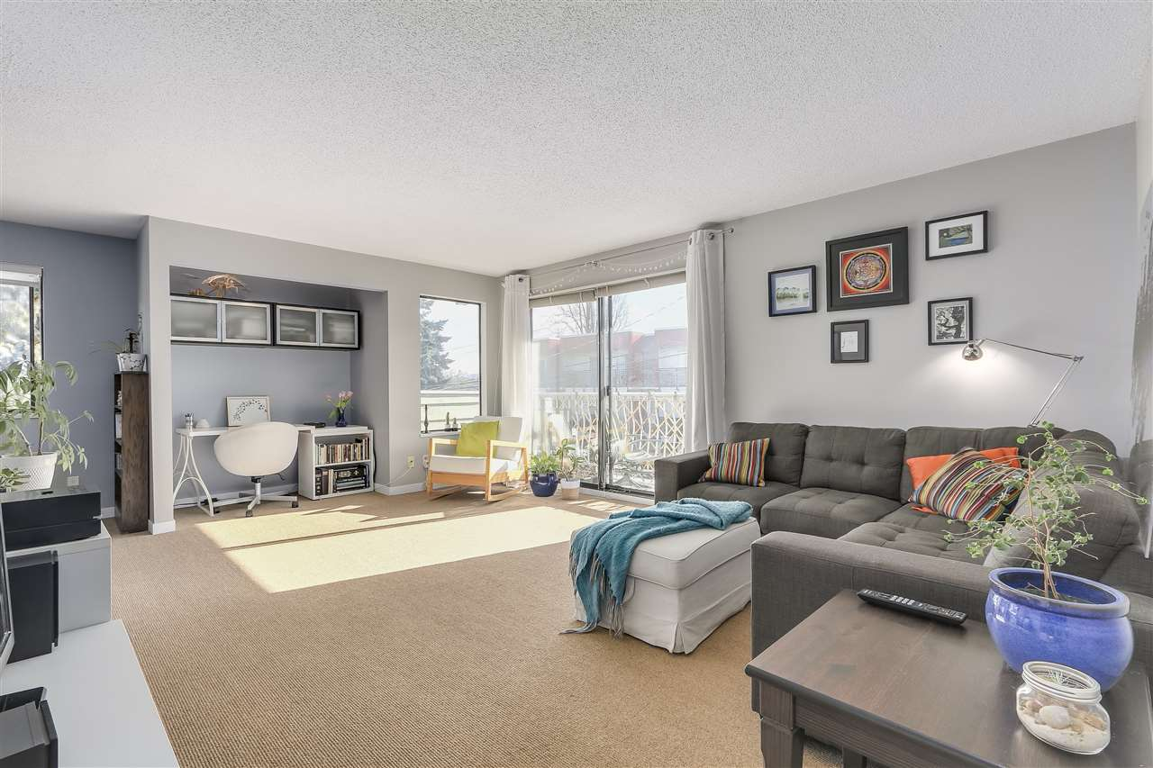 "Main Photo: 304 642 E 7TH Avenue in Vancouver: Mount Pleasant VE Condo for sale in ""IVAN MANOR"" (Vancouver East)  : MLS® # R2245120"