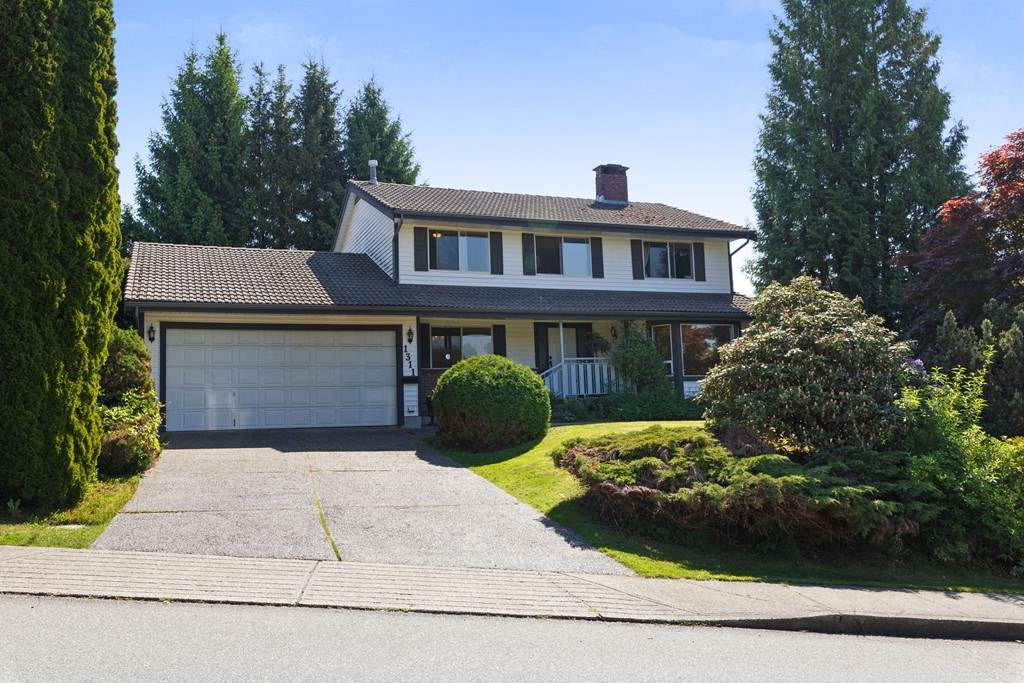 Main Photo: 1311 HONEYSUCKLE Lane in Coquitlam: Summitt View House for sale : MLS®# R2269032