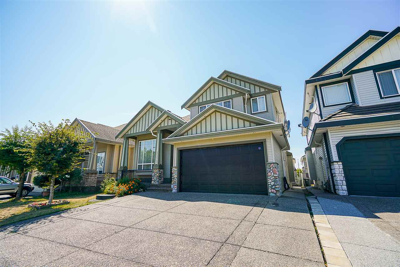 Main Photo: 6579 124 Street in Surrey: West Newton House for sale : MLS®# R2296042