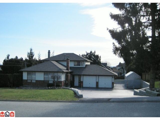 Main Photo: 19044 60B Avenue in Surrey: Cloverdale BC House for sale (Cloverdale)  : MLS® # F1105482
