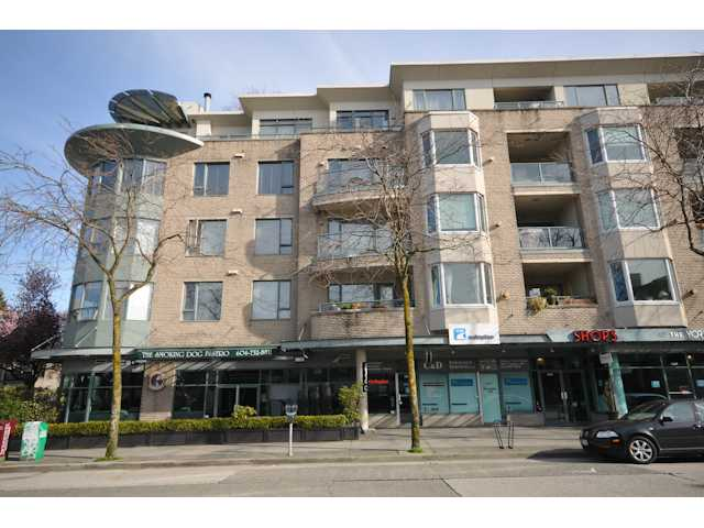 "Main Photo: 207 1688 CYPRESS Street in Vancouver: Kitsilano Condo for sale in ""YORKVILLE SOUTH"" (Vancouver West)  : MLS(r) # V888402"