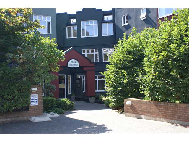 Main Photo: 311 2800 CHESTERFIELD Avenue in North Vancouver: Upper Lonsdale Condo for sale : MLS® # V911586