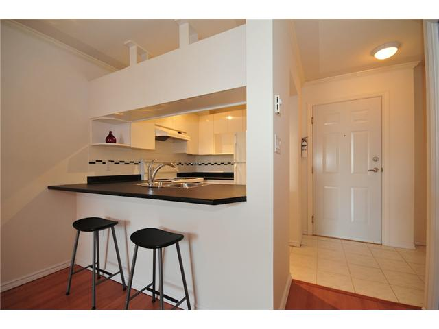 Photo 5: 411 3638 W BROADWAY Street in Vancouver: Kitsilano Condo for sale (Vancouver West)  : MLS(r) # V915805