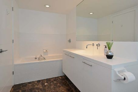 Photo 7: 66 Portland St Unit #602 in Toronto: Waterfront Communities C1 Condo for sale (Toronto C01)  : MLS(r) # C2694416