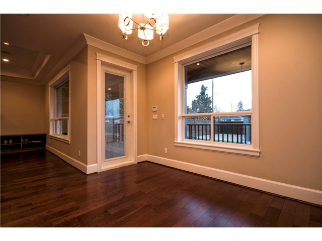 Photo 11: 325 W 17TH Street in North Vancouver: Central Lonsdale House for sale : MLS® # V1039261