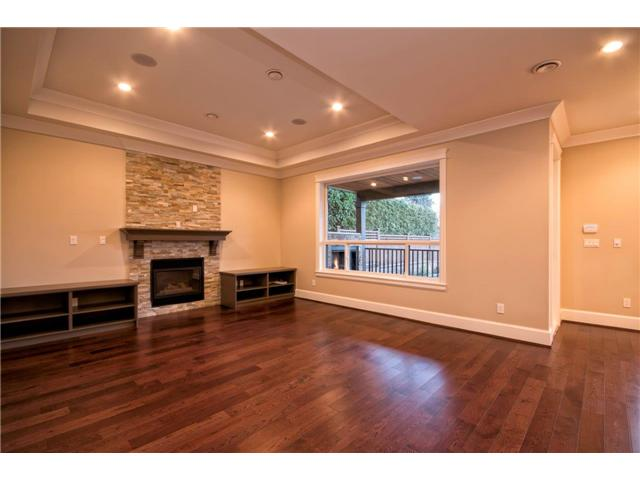 Photo 12: 325 W 17TH Street in North Vancouver: Central Lonsdale House for sale : MLS(r) # V1039261