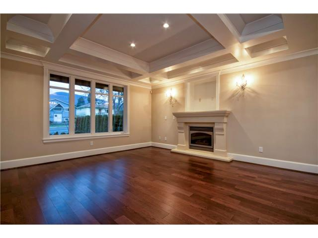 Photo 4: 325 W 17TH Street in North Vancouver: Central Lonsdale House for sale : MLS(r) # V1039261