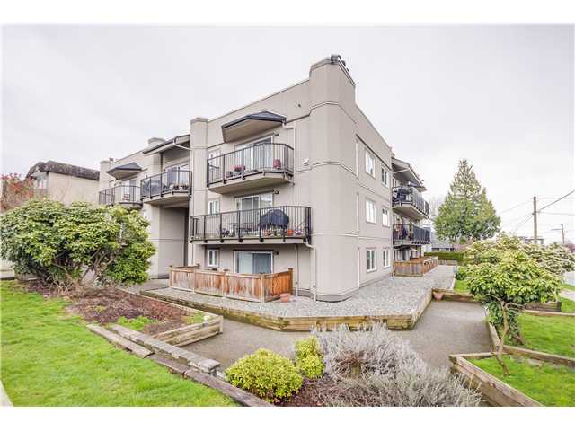 "Main Photo: 307 620 BLACKFORD Street in New Westminster: Uptown NW Condo for sale in ""DEERWOOD COURT"" : MLS®# V1055259"
