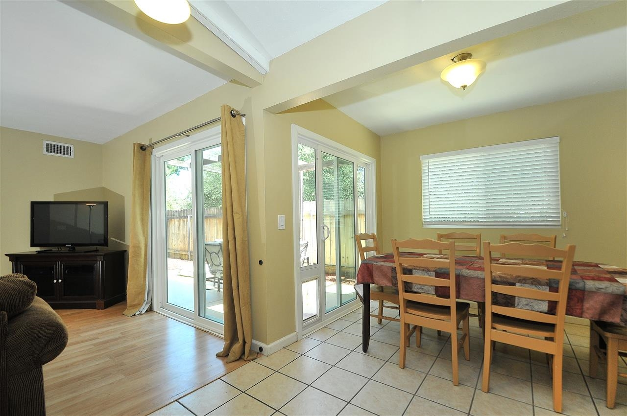 Photo 10: LAKESIDE Townhome for sale : 4 bedrooms : 9077 Calle Lucia