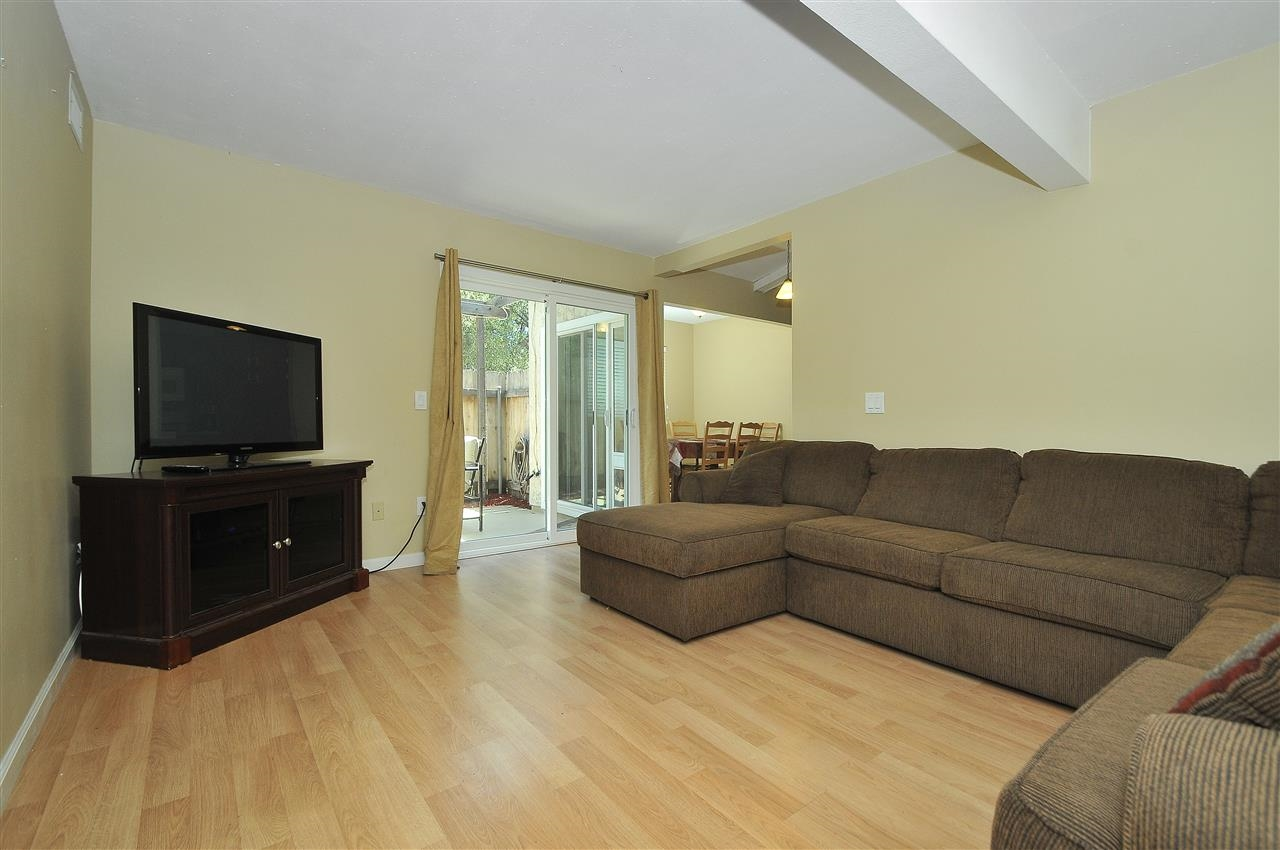 Photo 6: LAKESIDE Townhome for sale : 4 bedrooms : 9077 Calle Lucia