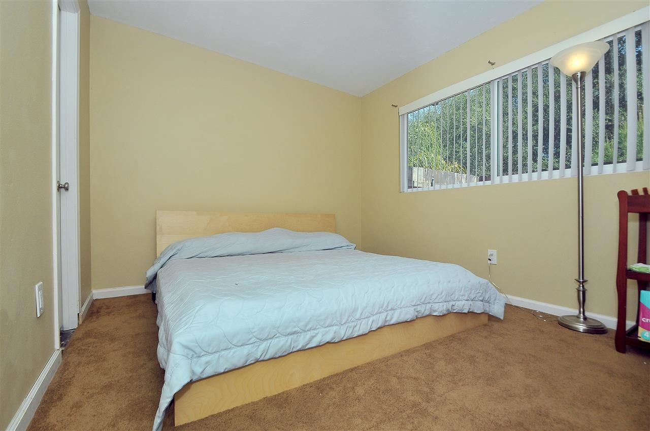 Photo 12: LAKESIDE Townhome for sale : 4 bedrooms : 9077 Calle Lucia
