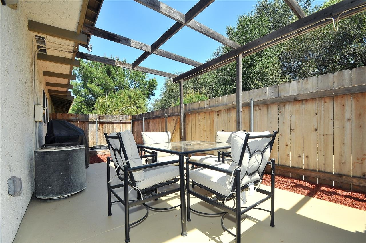 Photo 22: LAKESIDE Townhome for sale : 4 bedrooms : 9077 Calle Lucia