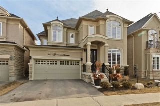 Main Photo: 3137 Gladeside Avenue in Oakville: Rural Oakville House (2-Storey) for sale : MLS®# W3150715
