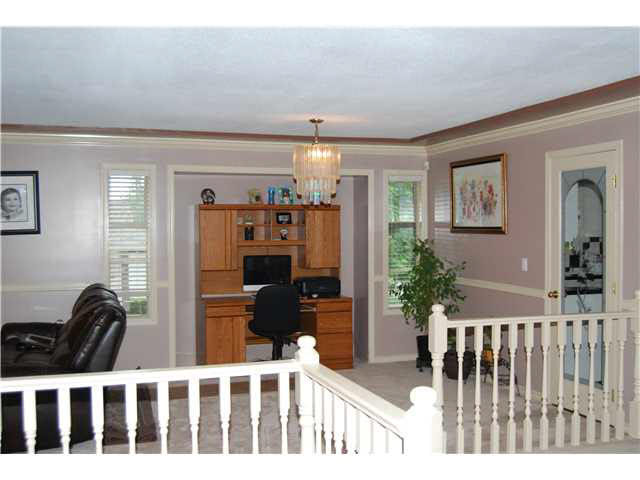 "Photo 4: 3751 SEFTON Street in PORT COQ: Oxford Heights House for sale in ""N/A"" (Port Coquitlam)  : MLS(r) # V1141494"