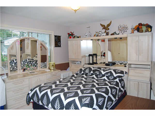 "Photo 9: 3751 SEFTON Street in PORT COQ: Oxford Heights House for sale in ""N/A"" (Port Coquitlam)  : MLS(r) # V1141494"