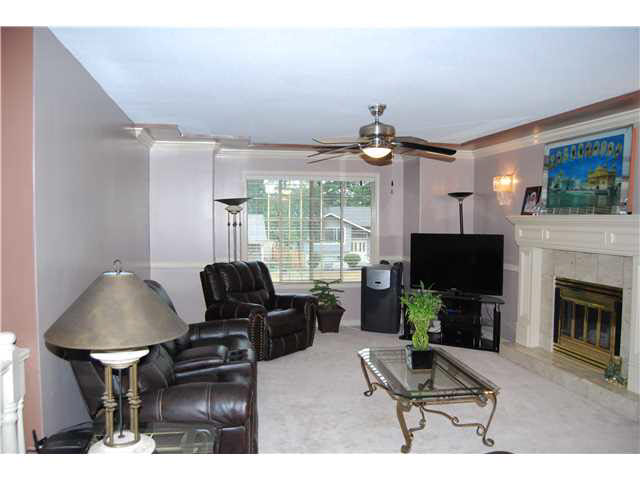 "Photo 3: 3751 SEFTON Street in PORT COQ: Oxford Heights House for sale in ""N/A"" (Port Coquitlam)  : MLS(r) # V1141494"