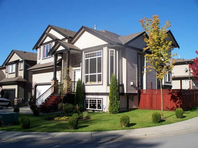 "Main Photo: 11735 GILLAND Loop in Maple Ridge: Cottonwood MR House for sale in ""RICHMOND HILL"" : MLS®# R2027944"