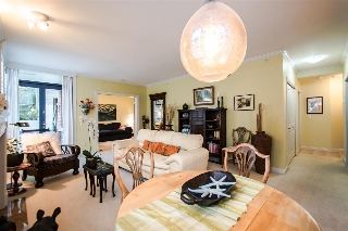 "Main Photo: 102 1725 BALSAM Street in Vancouver: Kitsilano Condo for sale in ""BALSAM HOUSE"" (Vancouver West)  : MLS® # R2031325"