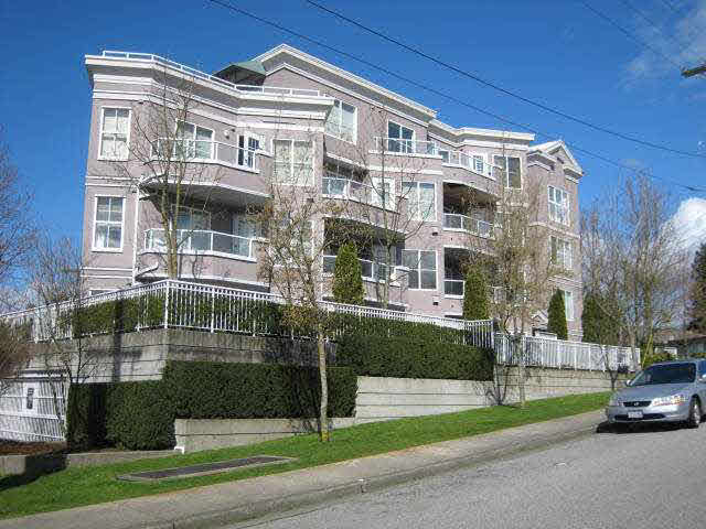 Main Photo: 203 245 ST. DAVIDS AVENUE in : Lower Lonsdale Condo for sale : MLS®# V911628