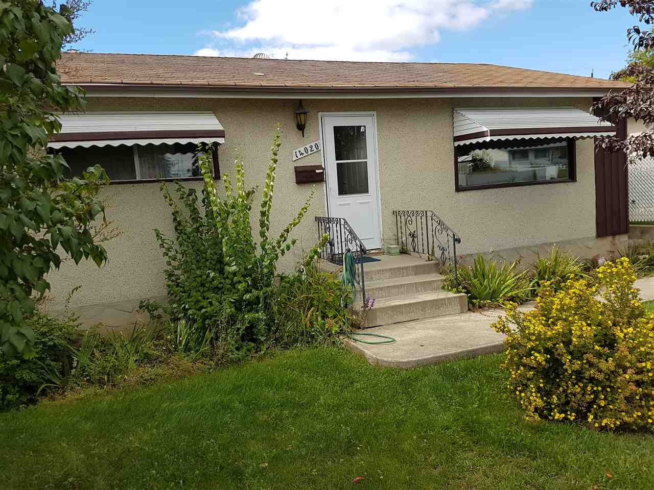 Main Photo: 14020 58 Street in Edmonton: Zone 02 House for sale : MLS(r) # E4037495