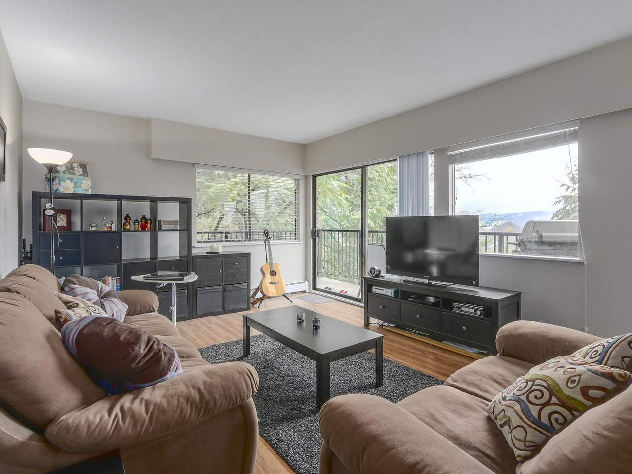 "Photo 3: 201 195 MARY Street in Port Moody: Port Moody Centre Condo for sale in ""VILLA MARQUIS"" : MLS® # R2117748"
